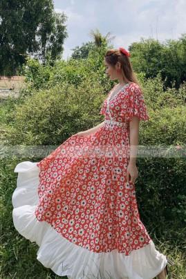 Đầm maxi đỏ hoa nhí tầng xinh xắn