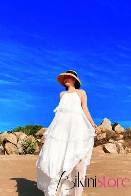 Đầm maxi trắng tầng hở lưng