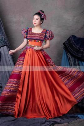 Váy thổ cẩm cổ vuông - Cam đất